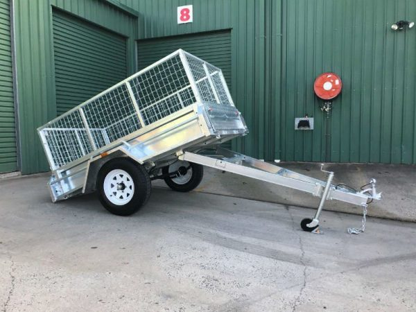 7 x 4 ft Box Trailer - tilt tray