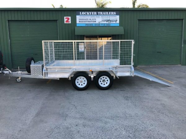 10 x 6 ft Tandem Box Trailer - wheels close up
