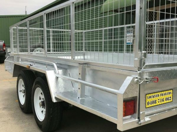 12 x 6 ft Tandem Box Trailer - side close up