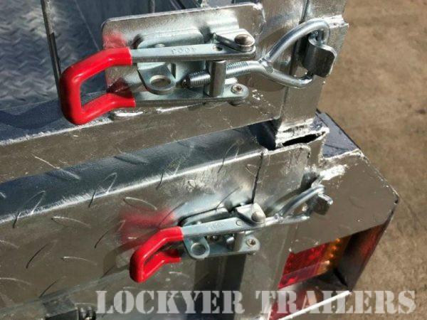 8 x 5 ft Heavy Duty Box Trailer - locks
