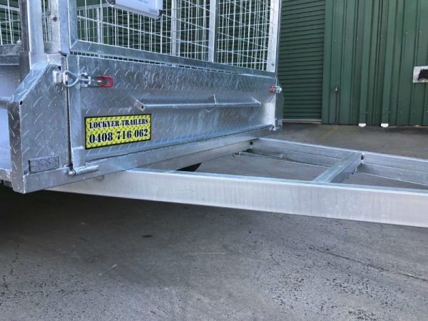 8 x 5 ft Tandem Box Trailer - front drawbar