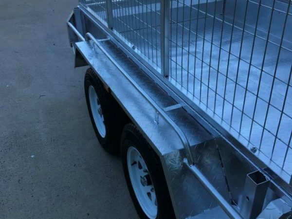 8 x 5 ft Tandem Box Trailer - top view