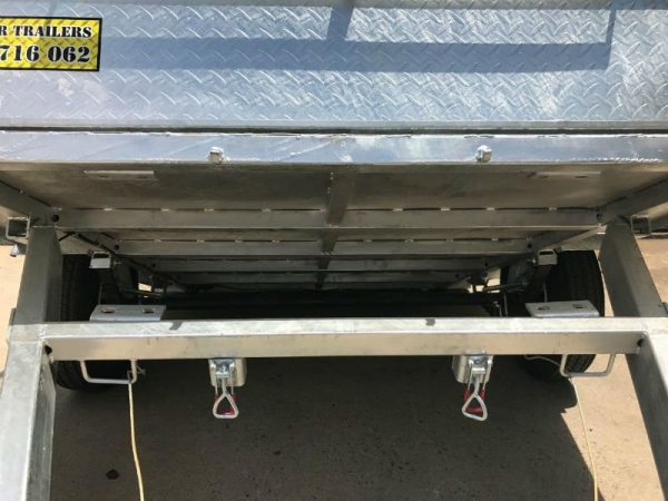 8 x 5ft Heavy Duty, Hi-side Box Trailer - tilt underneath