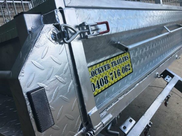9 x 5ft Heavy Duty Box Trailer - back close up