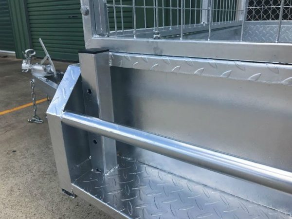 9 x 5ft Heavy Duty Box Trailer - side close up