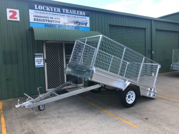 9 x 5ft Heavy Duty Box Trailer - side tilt