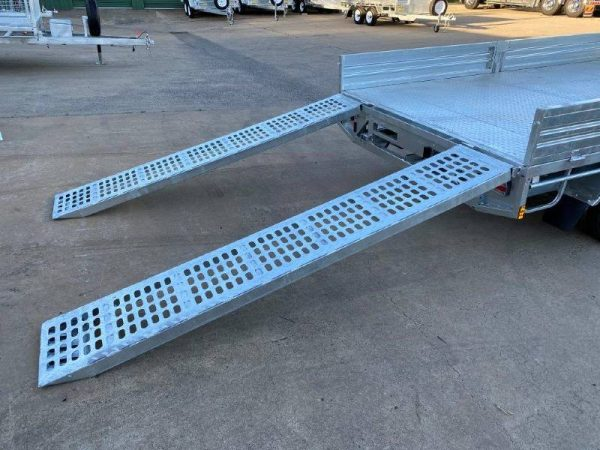 12 x 7 ft Extra Heavy Duty Flat Deck Trailer