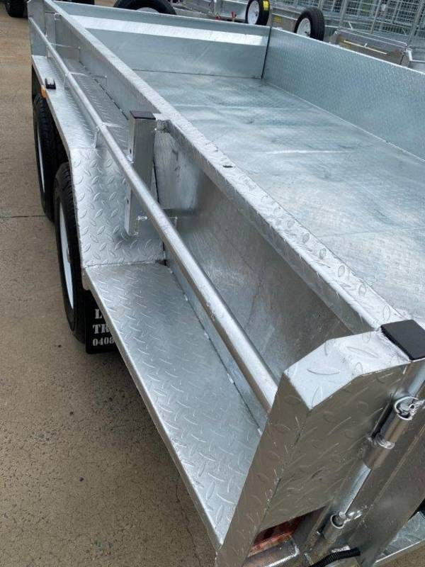 12 x 6 ft Hi-Side Box Trailer with Loading Ramps