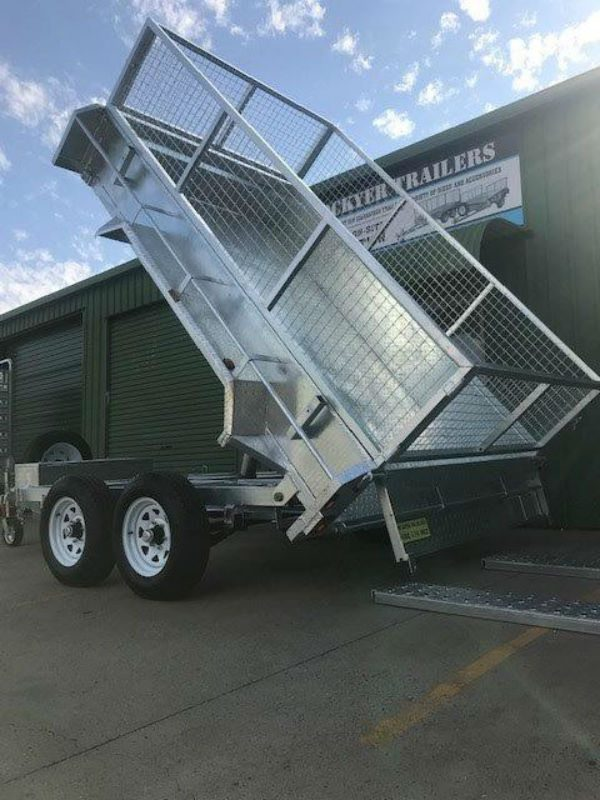 10 x 6ft Flat Deck Hydraulic Tipping Trailer with Loading Ramps